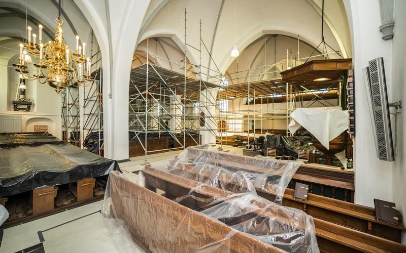 Restauratie van het plafond in de 15e eeuwse Oude Kerk in Barneveld | Copyright Helderblauw bv