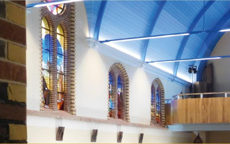 De Clemenskerk op Ameland die in 2016 werd herbouwd na een brand.