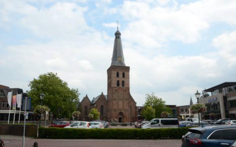 De PKN telt ruim 1200 kerken met een monumentale status. Hier de Oude Kerk in Barneveld. | Beeld: copyright Kerkmagazine