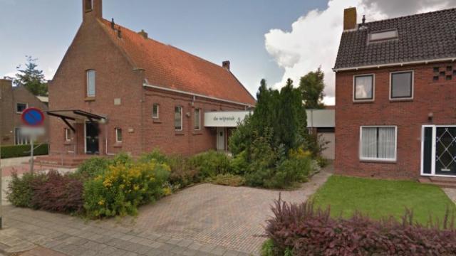 Het voormalig kerkgebouw van GKV Ulrum wordt verkocht aan de Christelijke Gereformeerde Kerk in Ulrum.