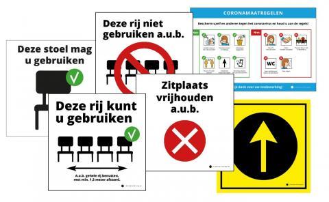 Kaarten, stickers, posters, hesjes voor coronapreventie in kerken.