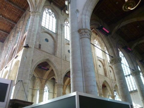 Het interieur van de Maria Magdalenakerk in Goes.
