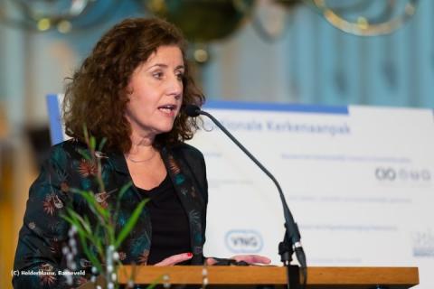 Minister Ingrd van Engelshoven tijdens het symposium Nationale Kerkenaanpak in november 2018 in Nijmegen.