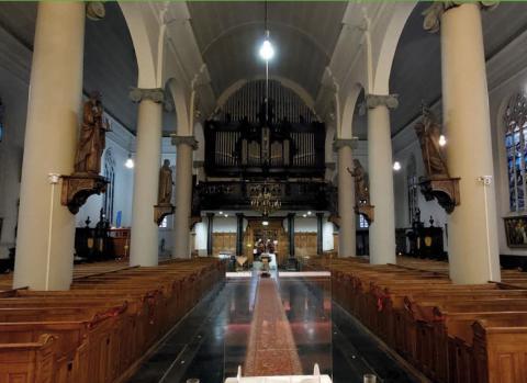 Wesotronic installeerde nieuwe apparatuur voor spraakverstaanbaarheid en kerktelevisie in de kerk van De Goede Herderparochie.